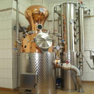 Produktion Brennerei Erlwein in Hundsboden bei Egloffstein in der Fränkischen Schweiz.